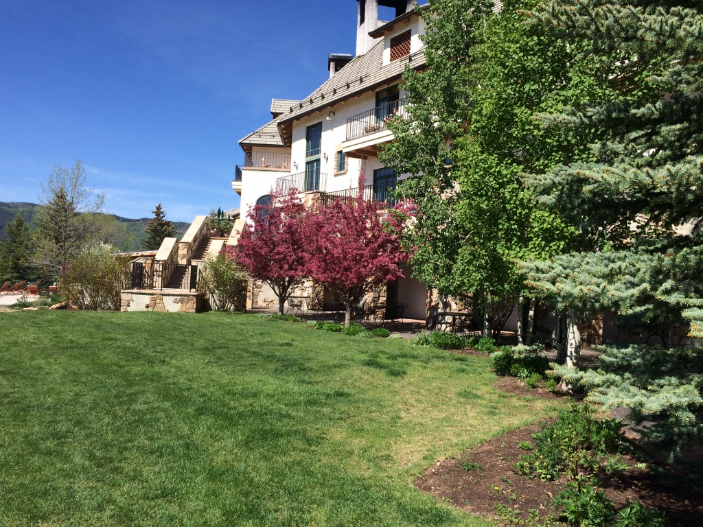 This was where our class was held. A beautiful lodge and spa in a gated community.